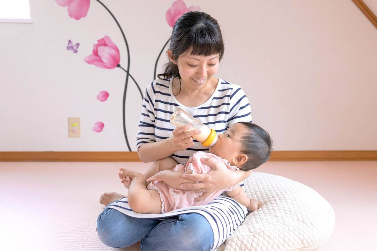 Cách phòng ngừa trẻ bị sặc sữa